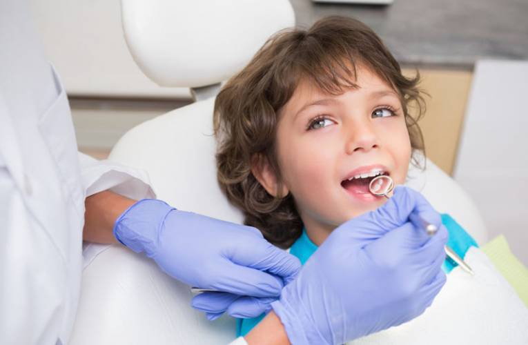 Pierwsza wizyta u dentysty/stomatologa, jak się na nią przygotować?